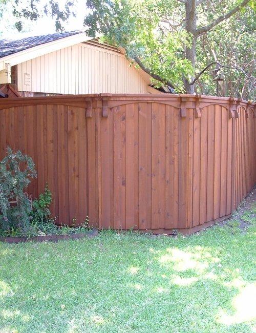 Fence Painting Services in Chicagoland and the Illinois Area